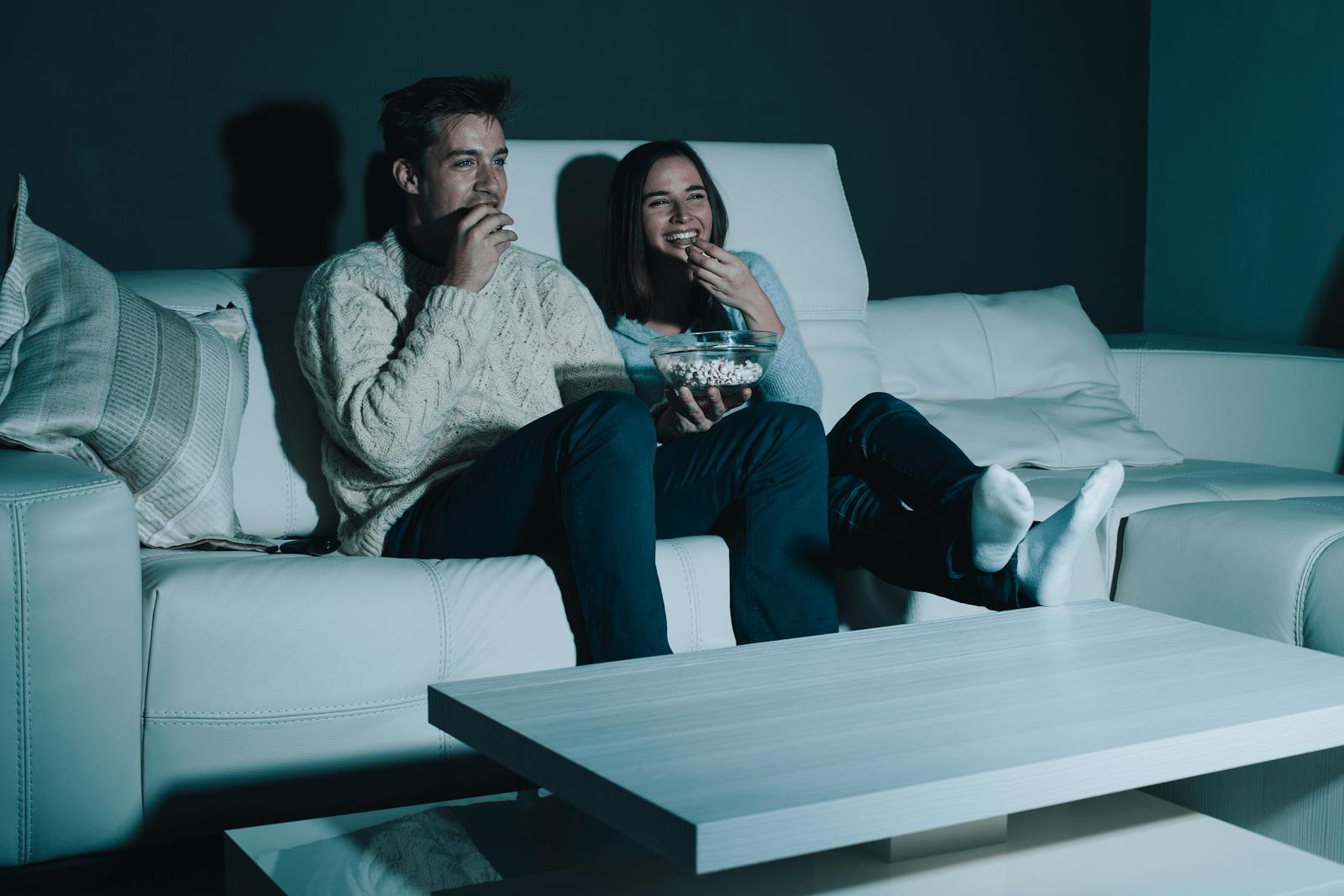 Một buổi tối lãng mạn cùng nàng xem phim tình cảm