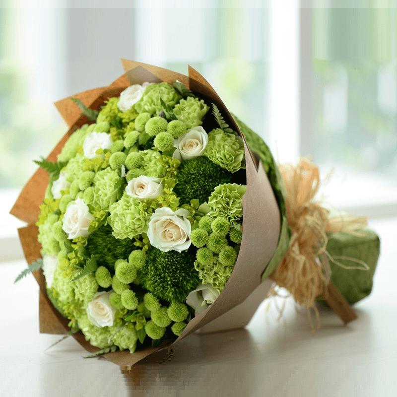 Cách cắm hoa xen kẽ màu hoặc kết hợp với các hoa khác