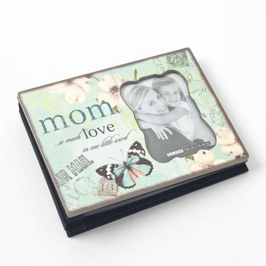 Tặng mẹ cuốn album chứa những khoảnh khắc gia đình