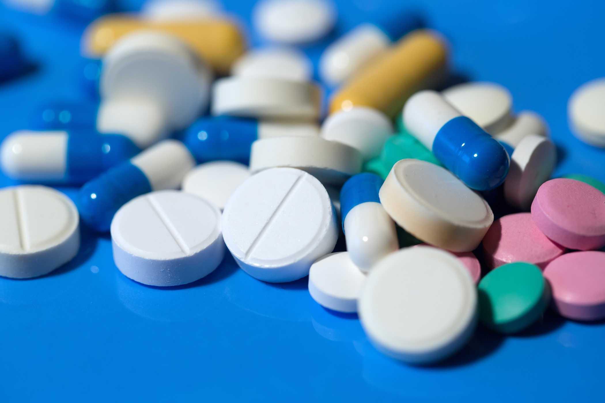 Hạn chế sử dụng các loại thuốc khi không có chỉ định của bác sĩ