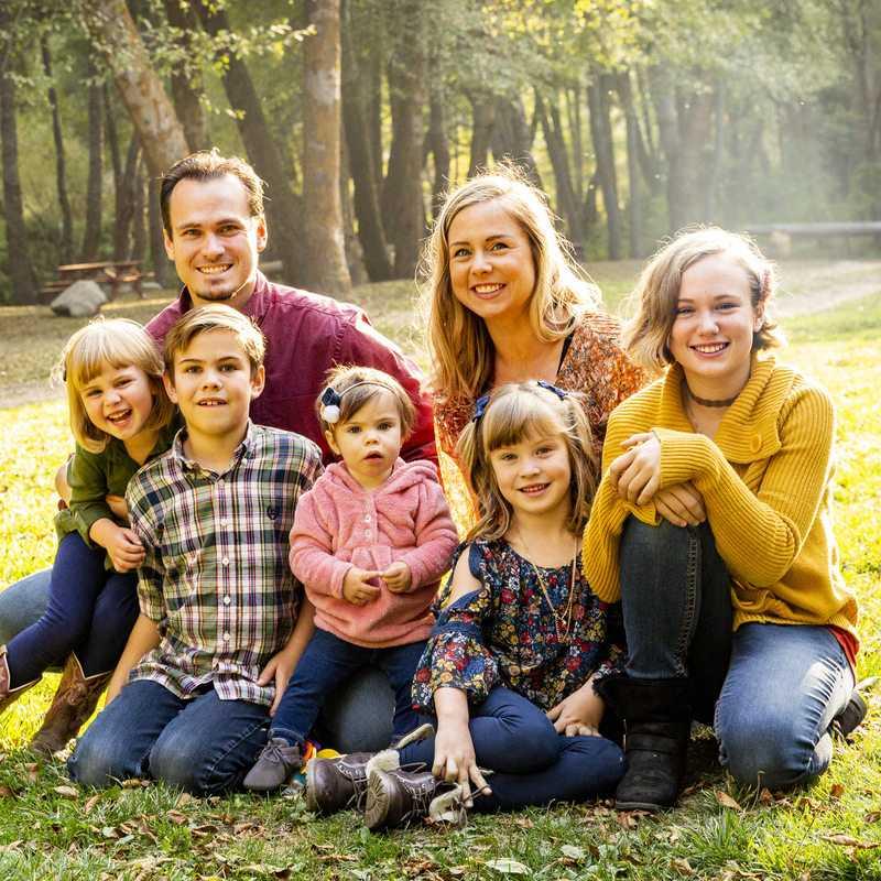 Đi dã ngoại với gia đình để gắn kết thêm tình cảm giữa các thành viên