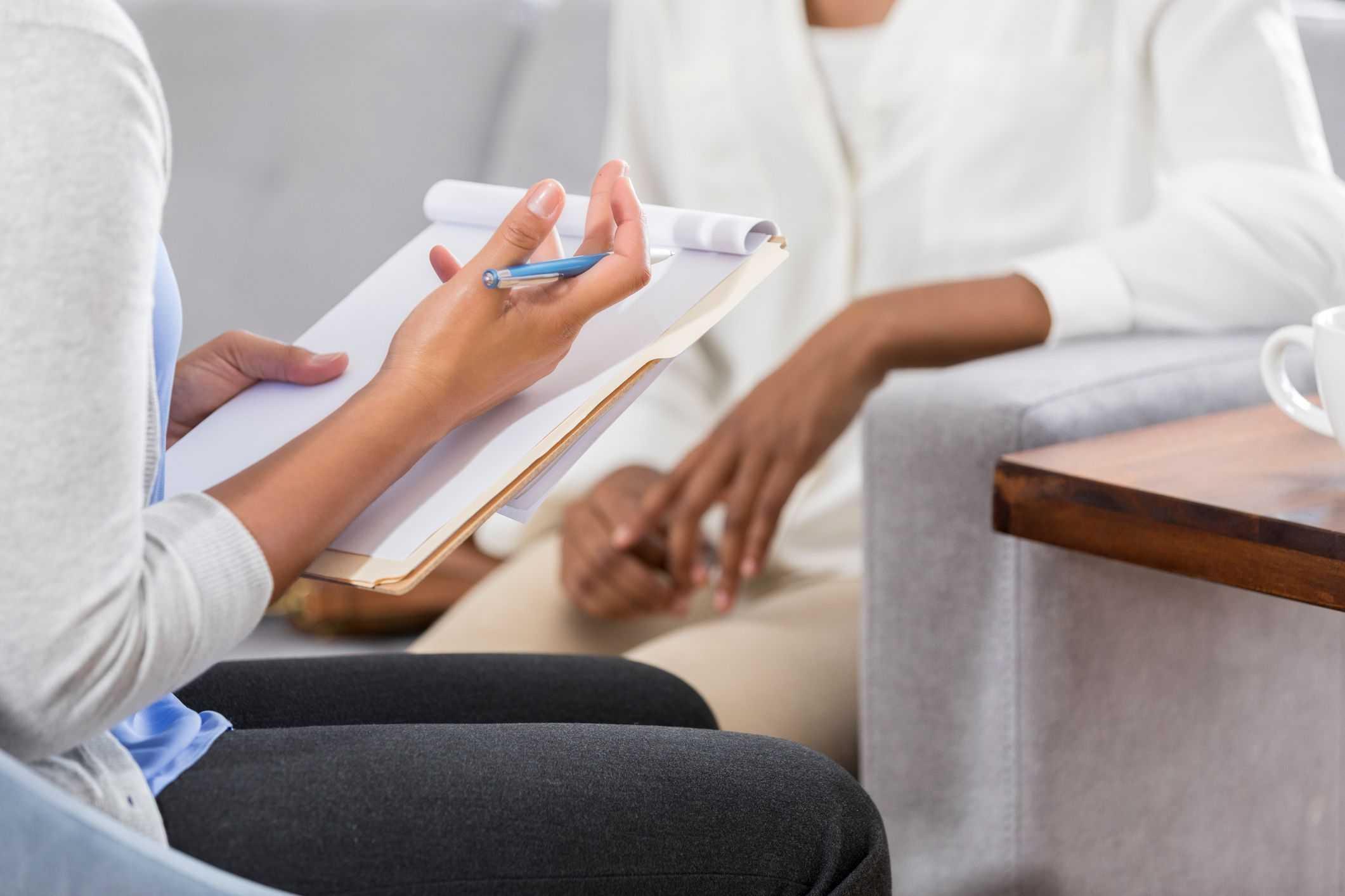 Hãy tìm đến sự hỗ trợ từ các bác sĩ tâm lý nếu bạn cảm thấy mình mắc phải các vấn đề về sức khỏe tinh thần