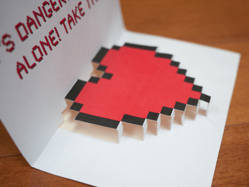 Thiệp Valentine pop-up hình trái tim pixel