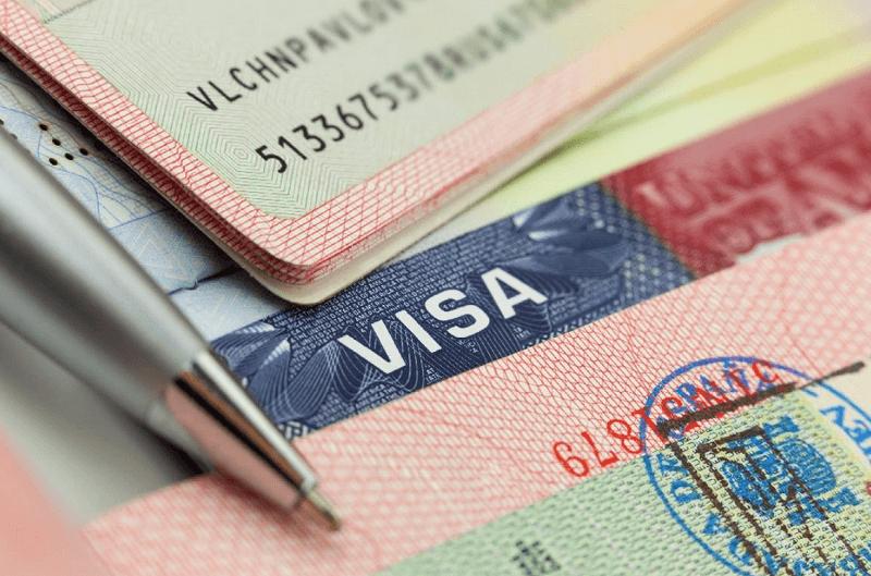 Việc mua bảo hiểm du lịch là điều kiện bắt buộc để xin visa một số nước