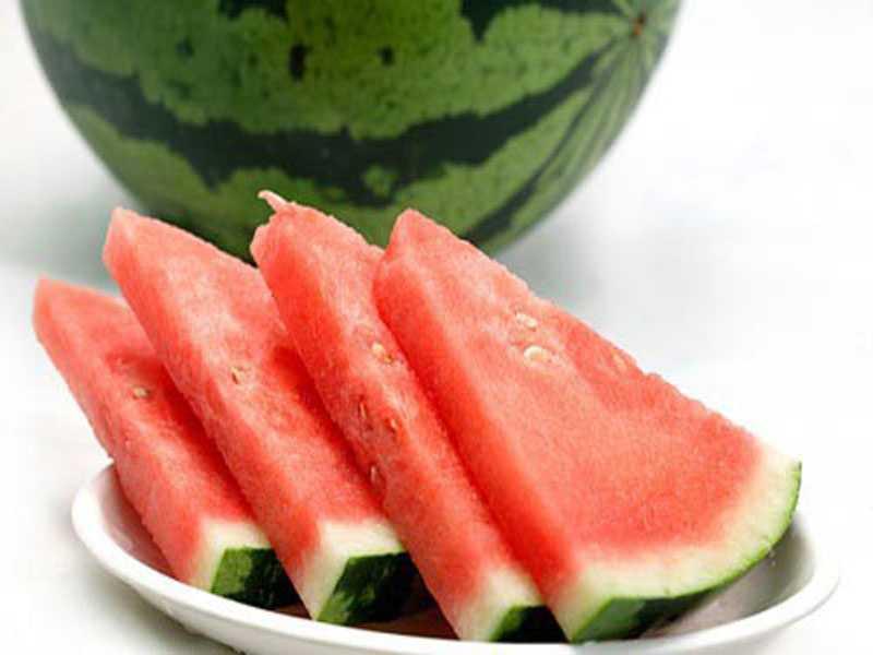 BBQ trái cây từ vỏ dưa hấu cực đẹp cho mâm cỗ Trung Thu của bạn