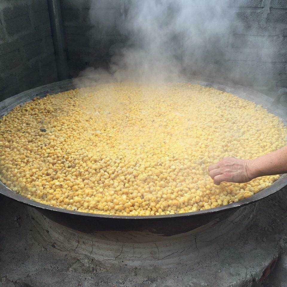 Rượu ngô được chế biến thủ công tại Bắc Hà