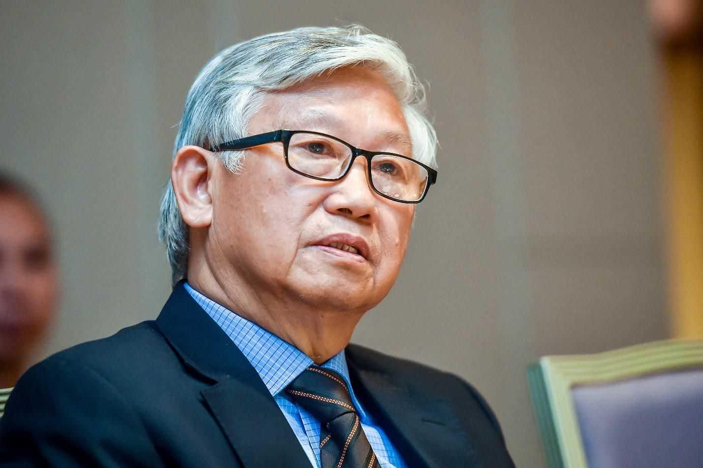 Giáo sư, tiến sĩ, bác sĩ Nguyễn Gia Khánh