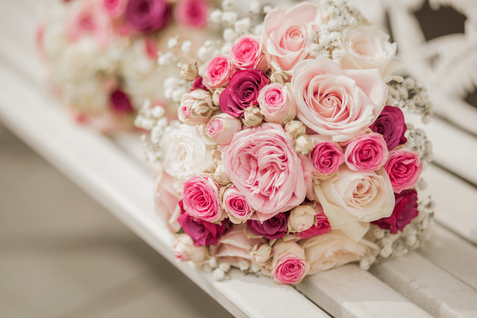 Tặng hoa hồng là món quà Valentine tỏ tình ý nghĩa