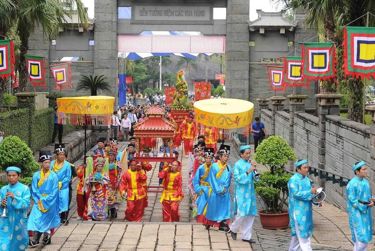 Ngày 10 tháng 3 âm lịch là ngày Quốc lễ của Việt Nam