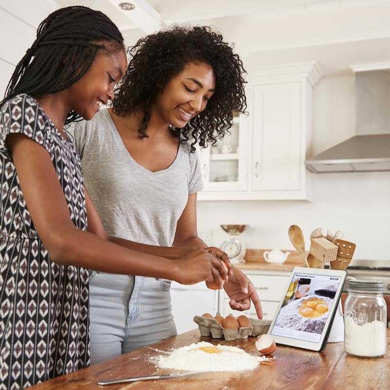 Nấu một bữa ăn ngon là món quà ý nghĩa trong ngày của mẹ