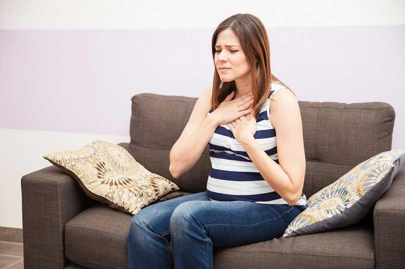 Ợ nóng là một triệu chứng thường gặp ở phụ nữ mang thai chứng tỏ thai kỳ tốt